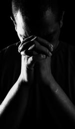 """""""Zona de Penumbra"""" - Ensaio realizado com detentos da Penitenciária Professor Ariosvaldo De Campos Pires, em Juiz de Fora, para a marca Doiselles."""